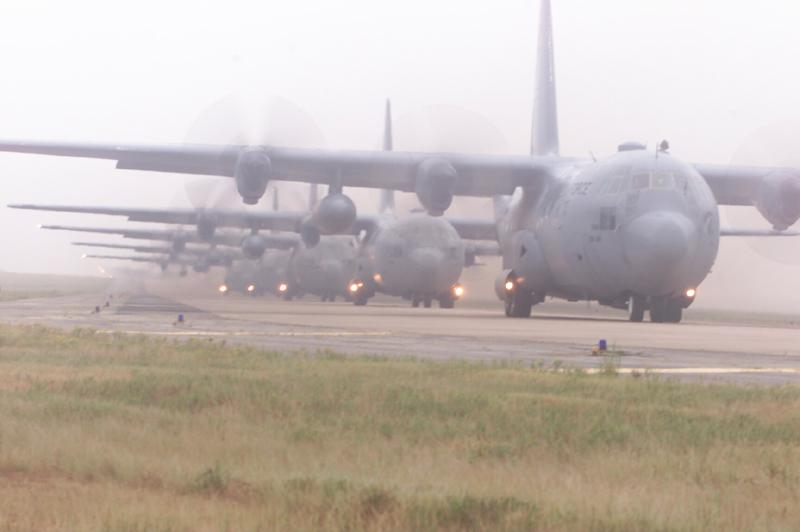 55e767a803770-Airlift---24-Ship-Formation--LRAFB.jpg